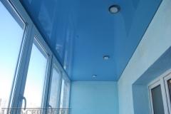 natyazhnye-potolki-na-balkone12