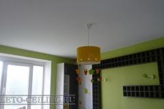 natyazhnye-potolki-v-detskoj-22